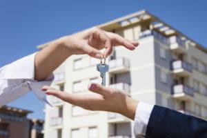 Снимаем обременение по ипотеке в МФЦ – возможно своими силами?